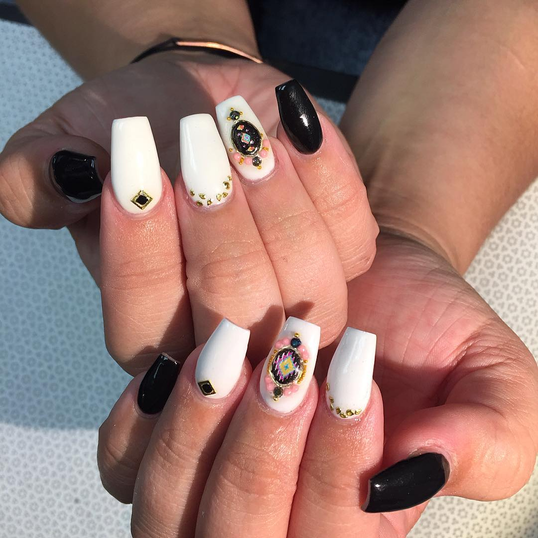 Colorful Fancy White Nails Gallery - Nail Art Ideas - morihati.com