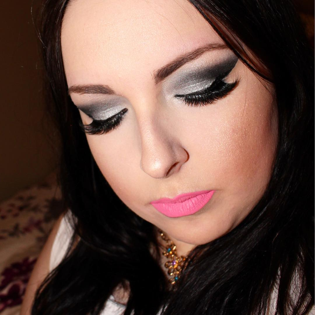 Dark Silver Makeup for Closed Eyes