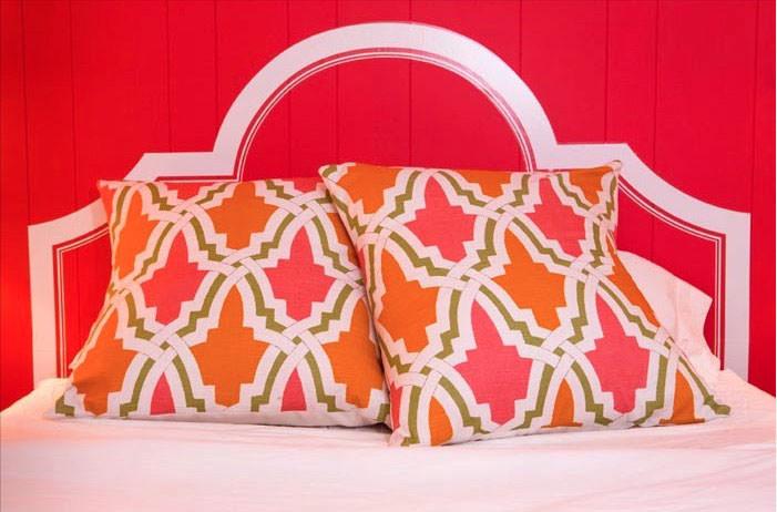 bold pink girls bedroom design
