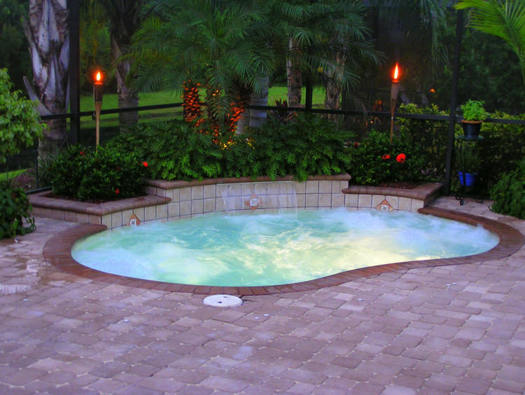 24 small swimming pool designs decorating ideas design for Swimming pool spa designs
