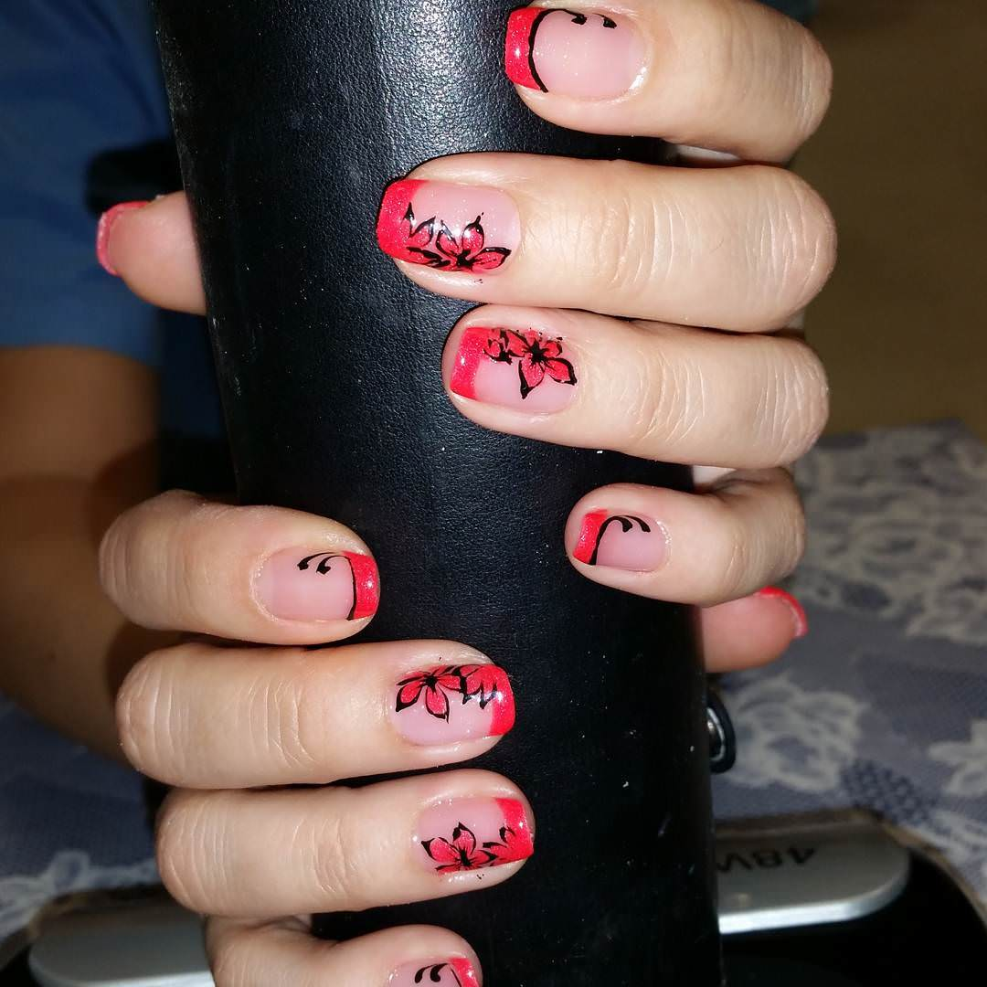 Beautiful Flower Tumblr Nails