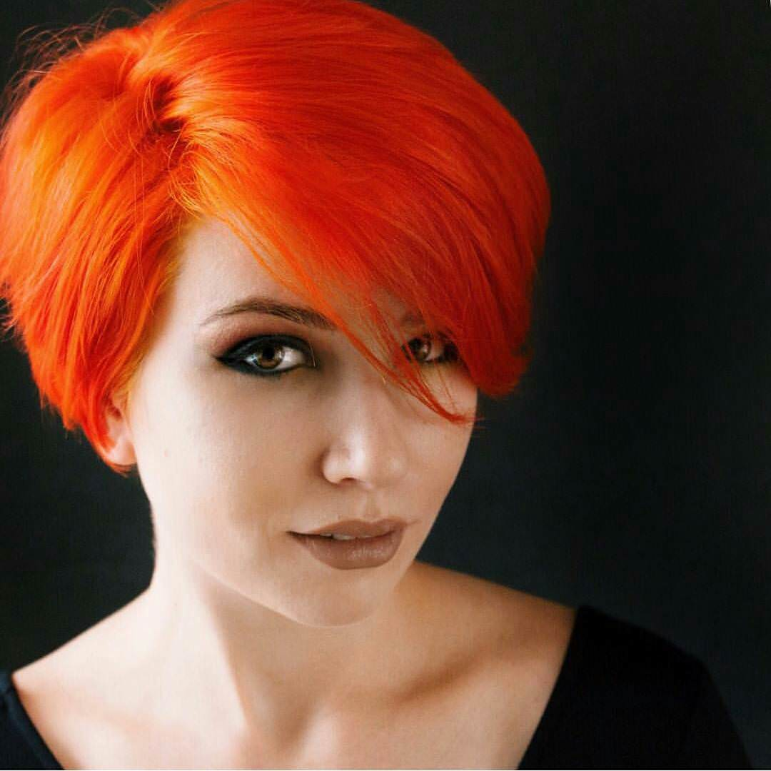 dark orange colored haircut