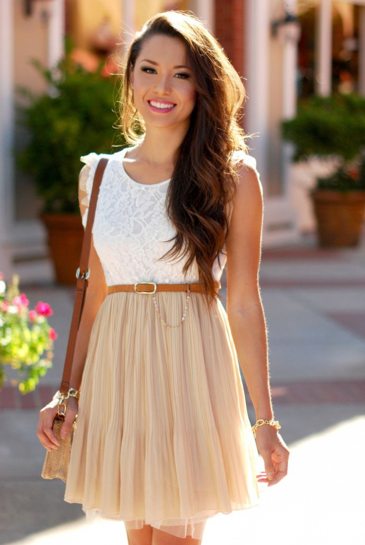 lace-and-pleats-outfit