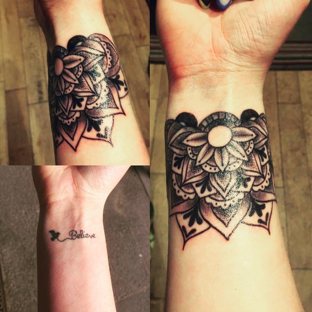 Black Flower Tattoos Wrist: 30+ Small Wrist Tattoos