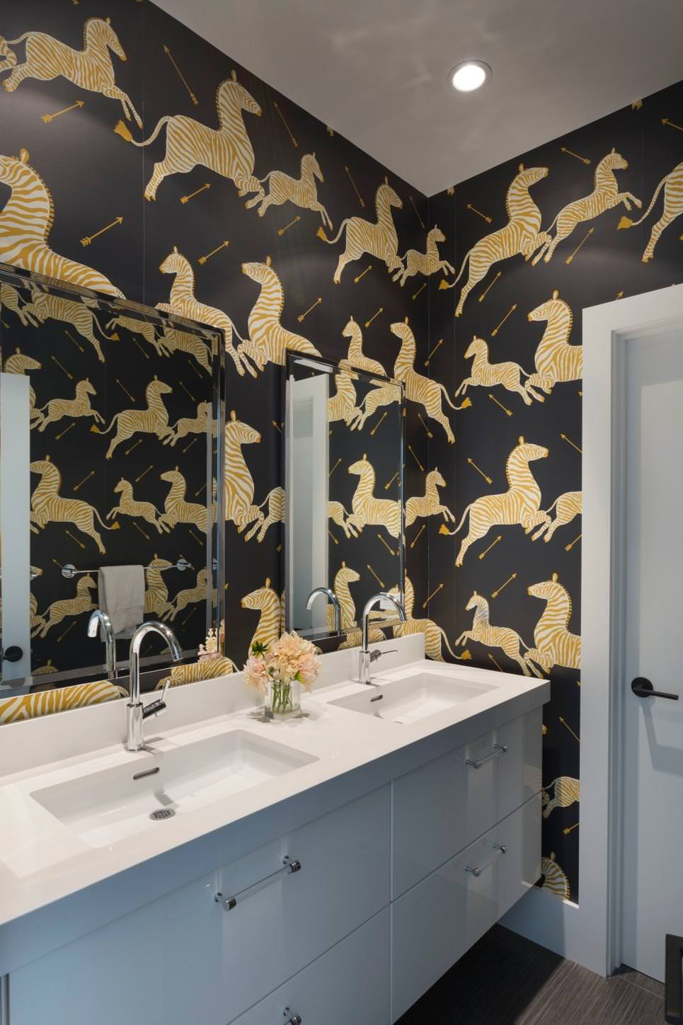 Bathroom Black and Gold Wall Designs