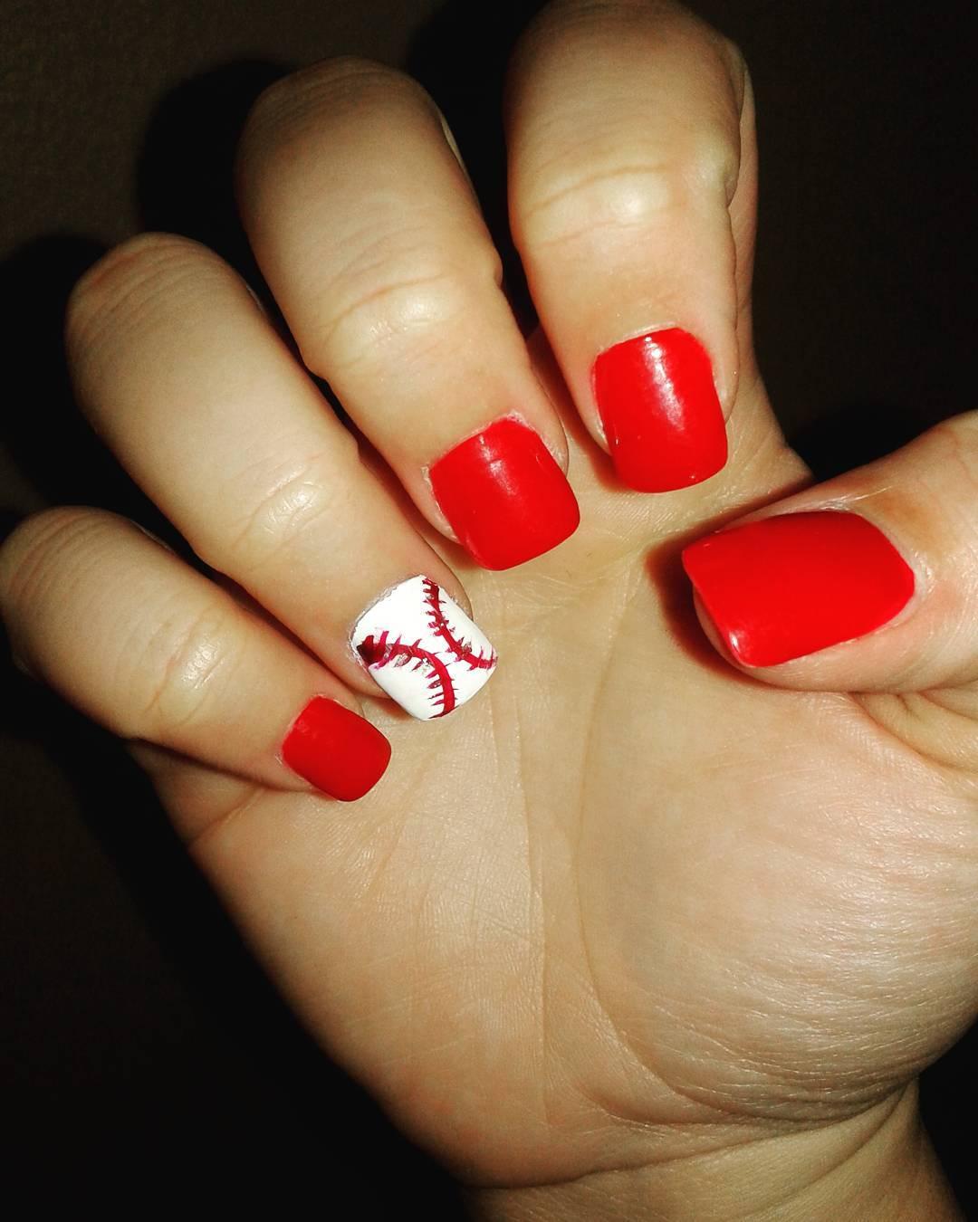 Remarkeble Baeball Nail Design