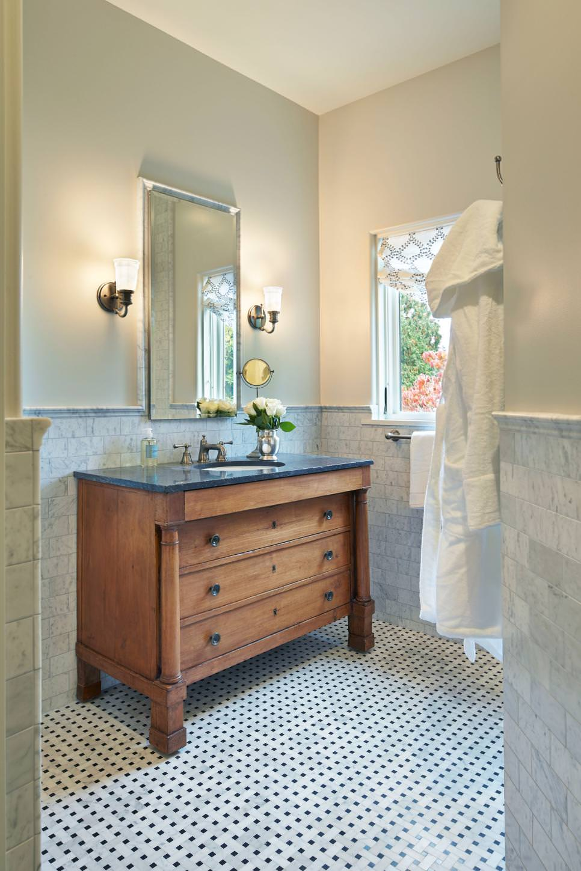 Classic Bathroom Wooden Cabinet Design