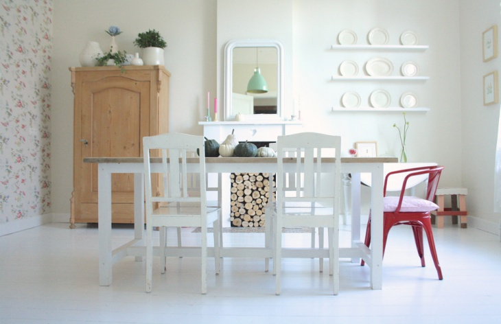 Shabby chic style dining room with Scandinavian furniture