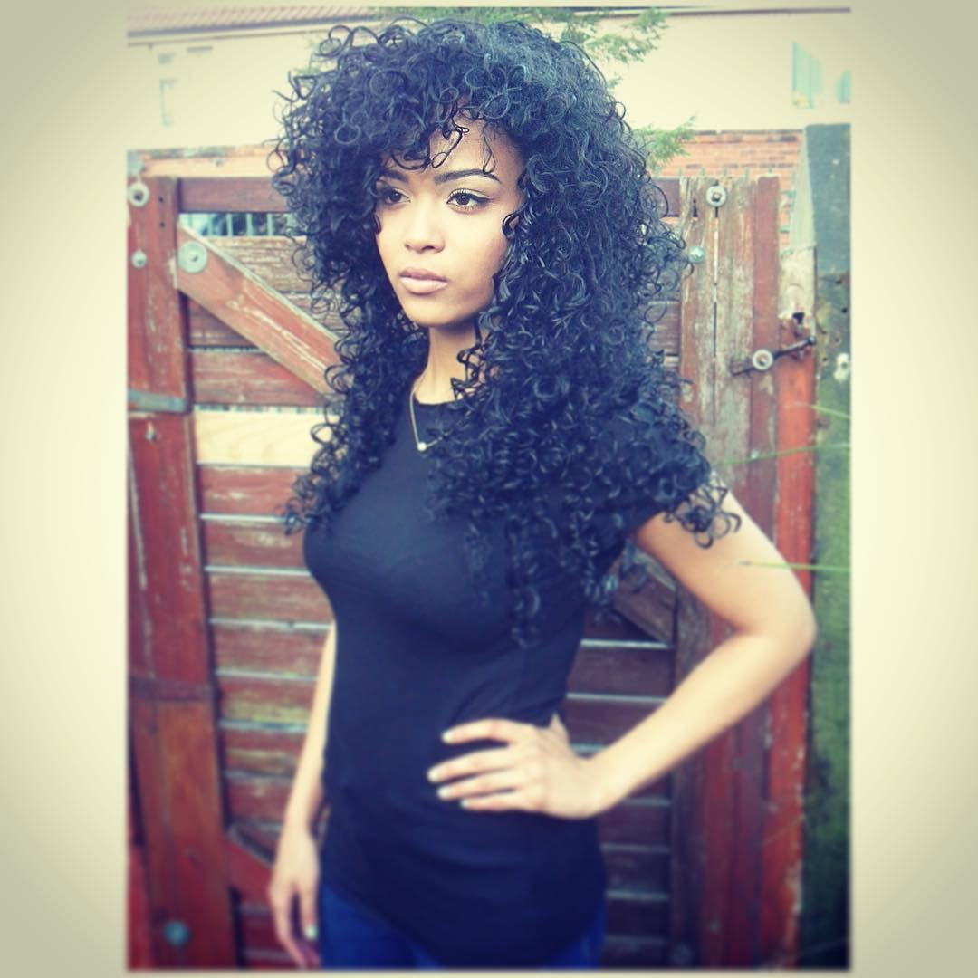 attractve black curly hairstyle