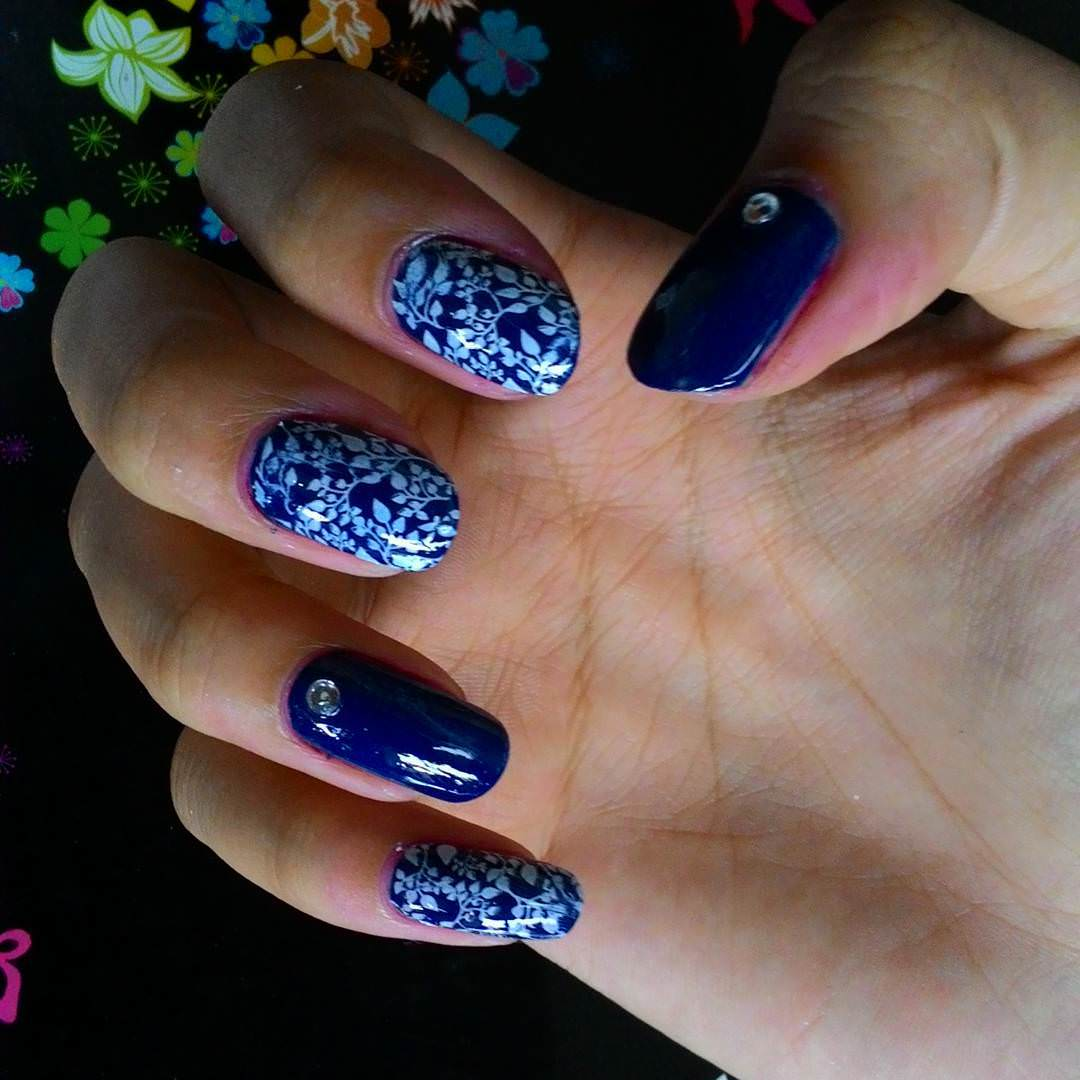 stone blue and white nail design