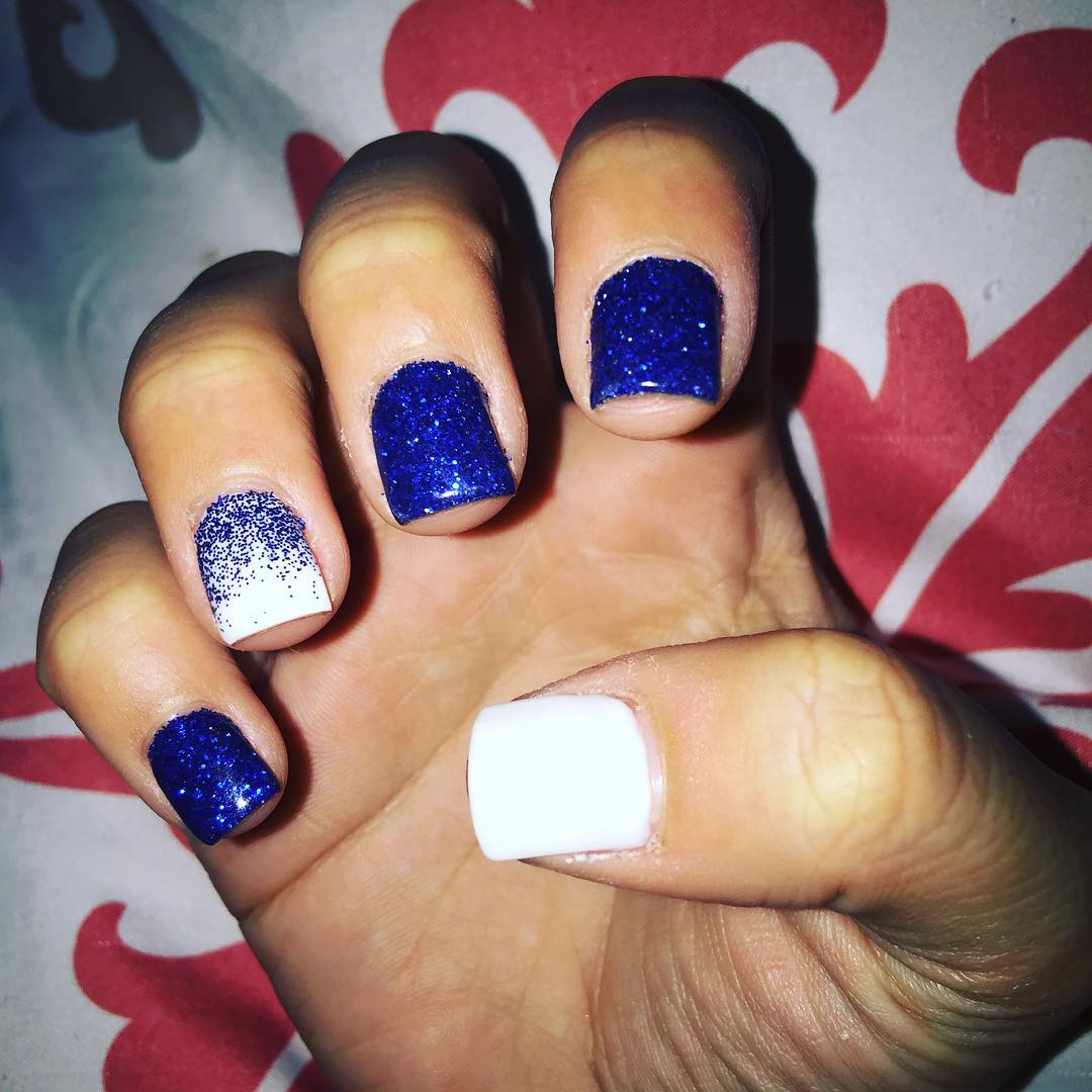 fantastic blue and white nail design
