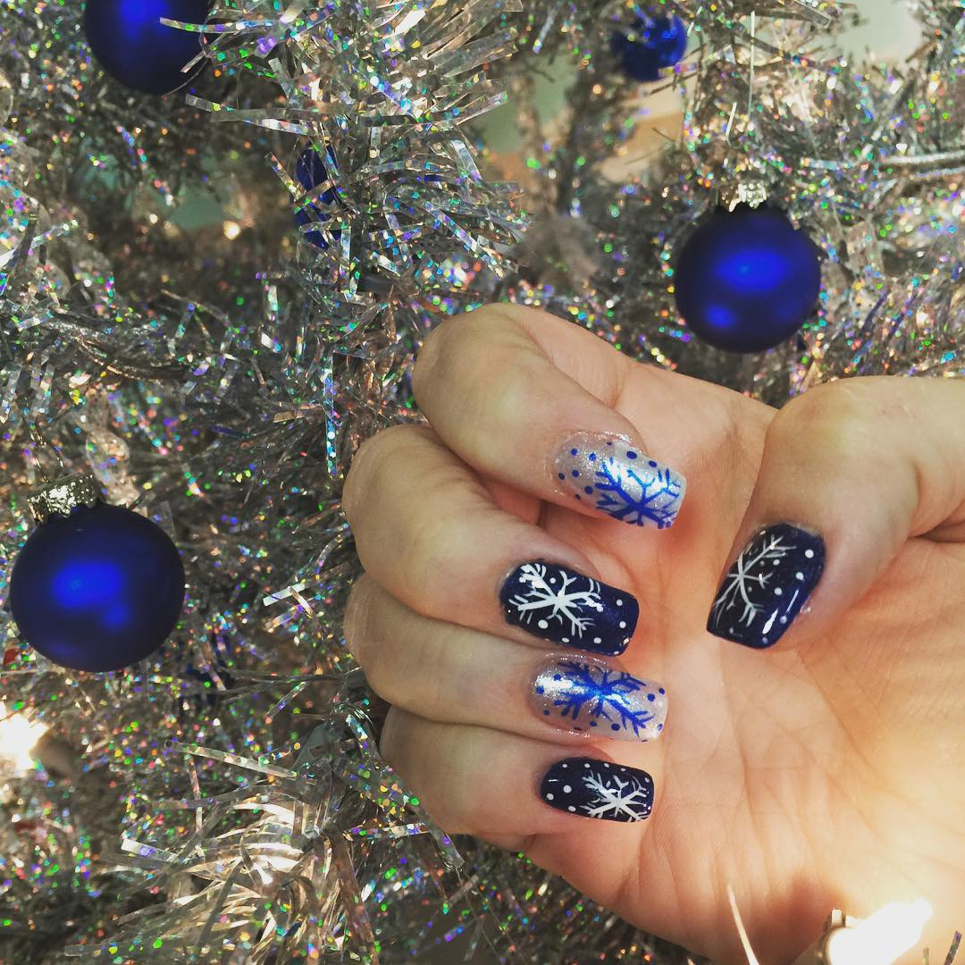 Classy Look Blue Nails