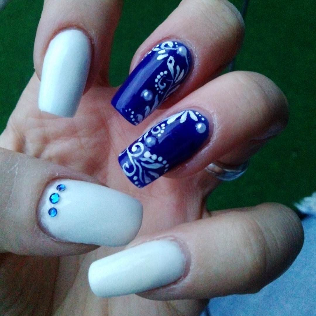 long remarkeble blue and white nails
