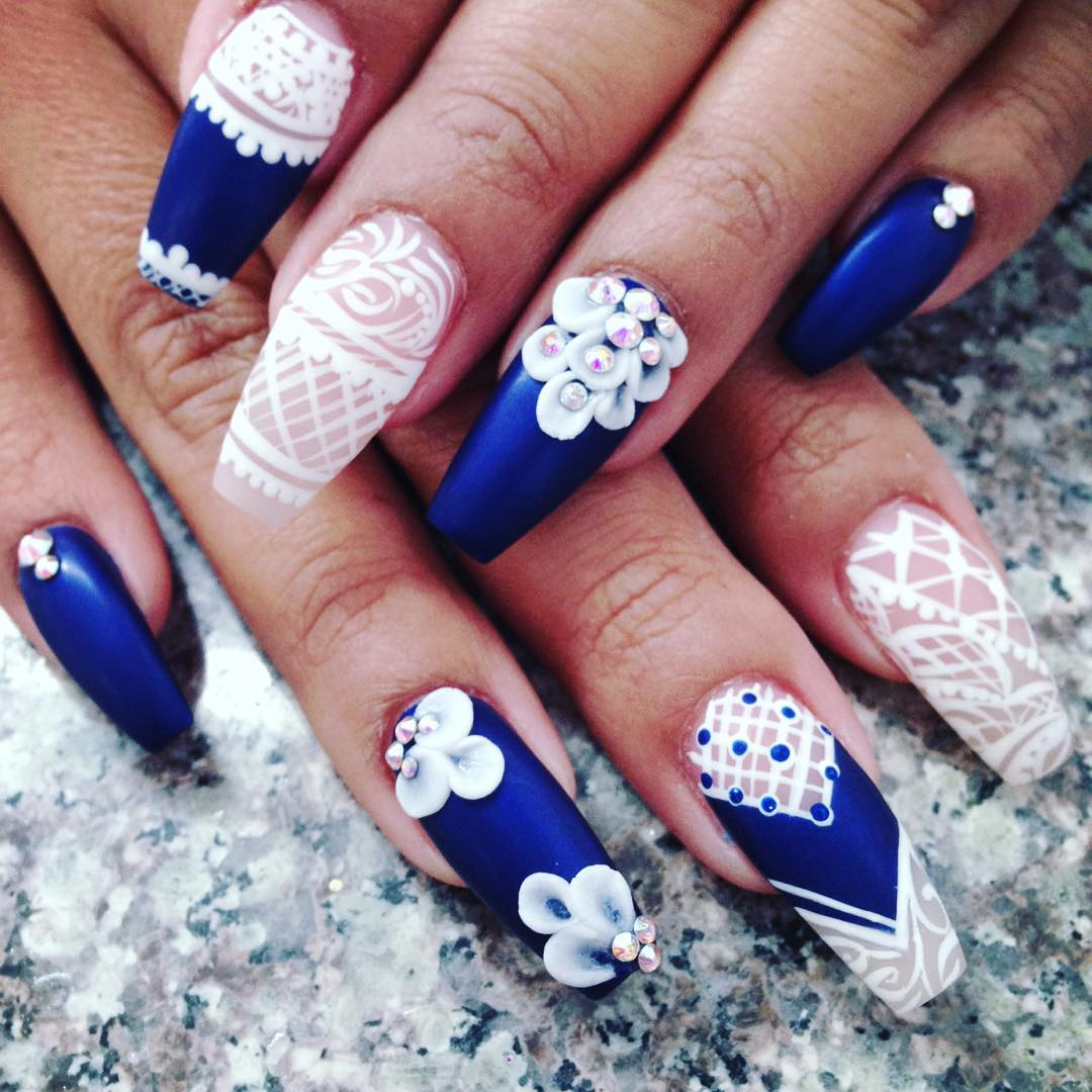 Floral Bridal Nail Art. Flower Blue and White Nails - Awesome Blue And White Nail Designs Design Trends - Premium PSD