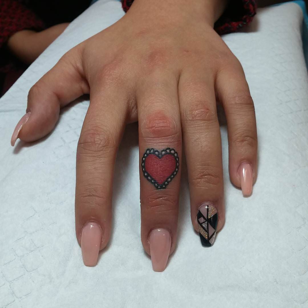 Finger Tattoo Design