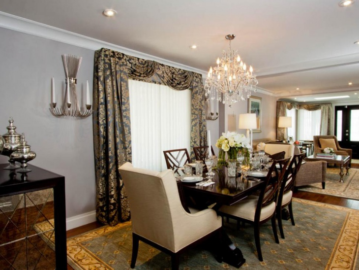Crystal Chandelier Create Elegant Look in Dining Room