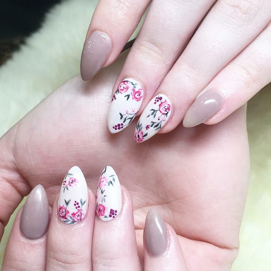 Beautiful Floral Nail Design - 27+ Floral Nail Art Designs, Ideas Design Trends - Premium PSD
