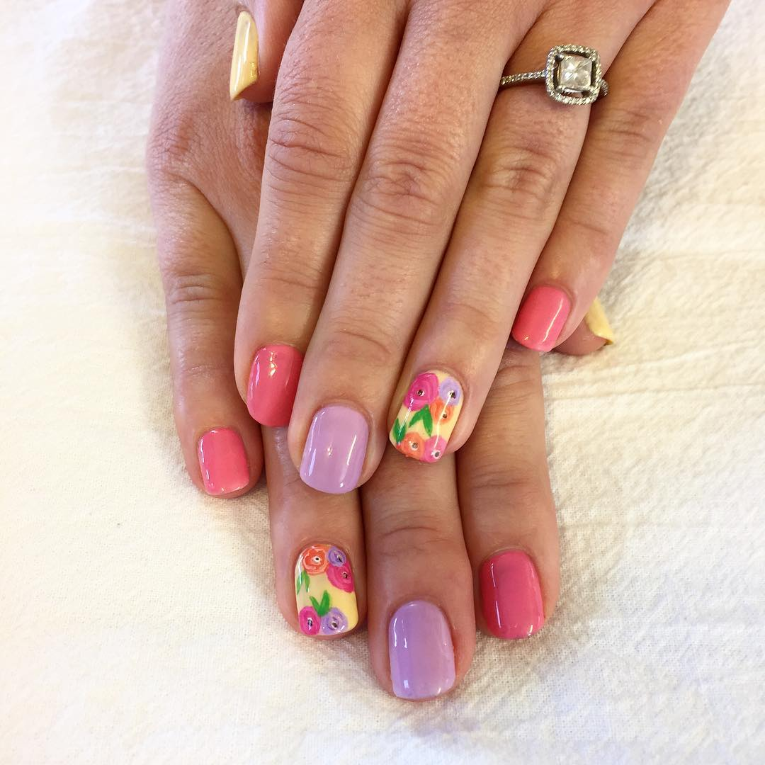 Gorgeous Floral Nail Design