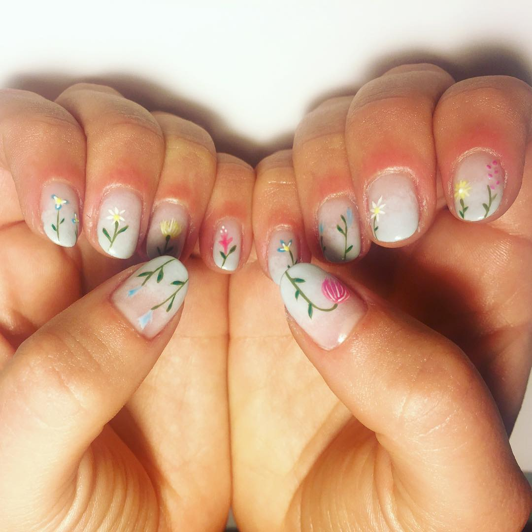 Simple Floral Nail Design