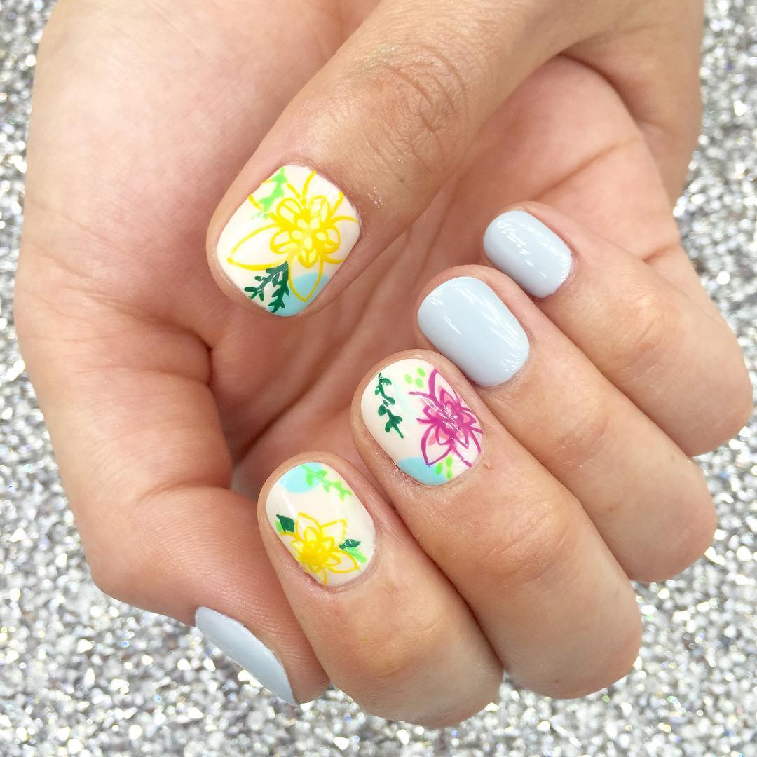 Round Floral Nail Design