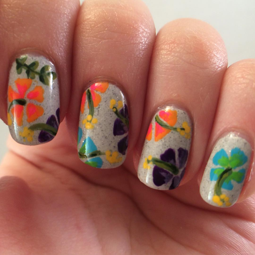 Nature Floral Nail Design