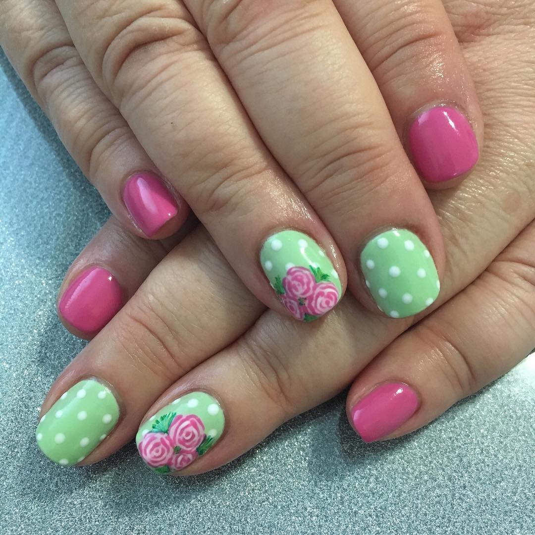 Fashionable Floral Nails