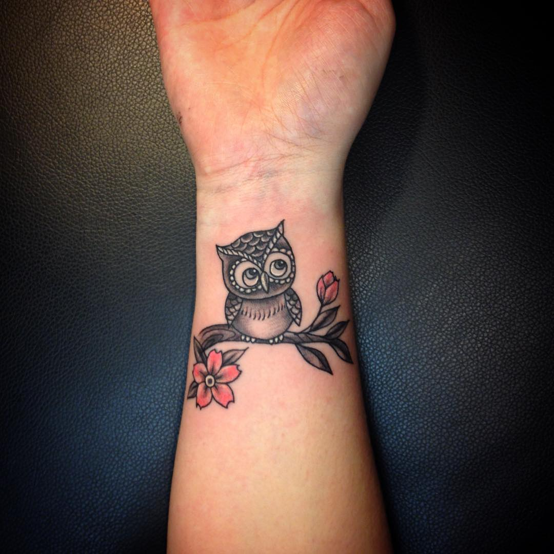 cute and lovely owl tattoo