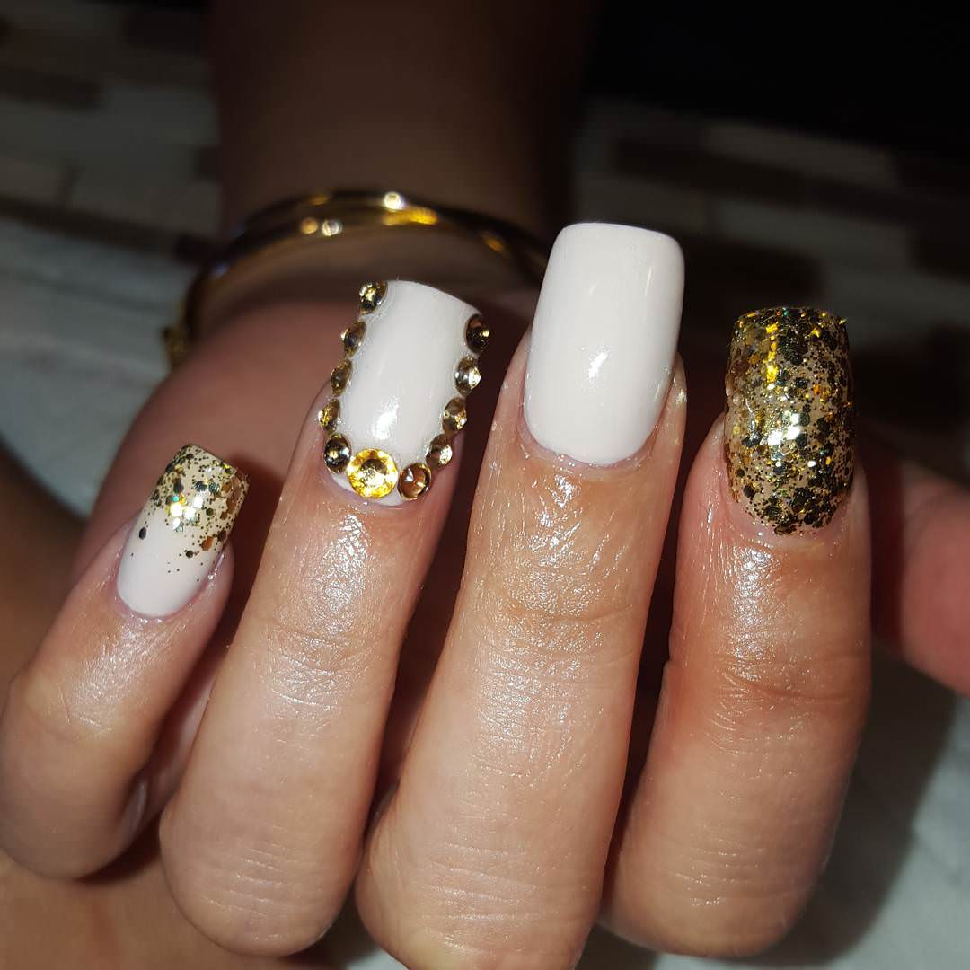White Golden Nail Art