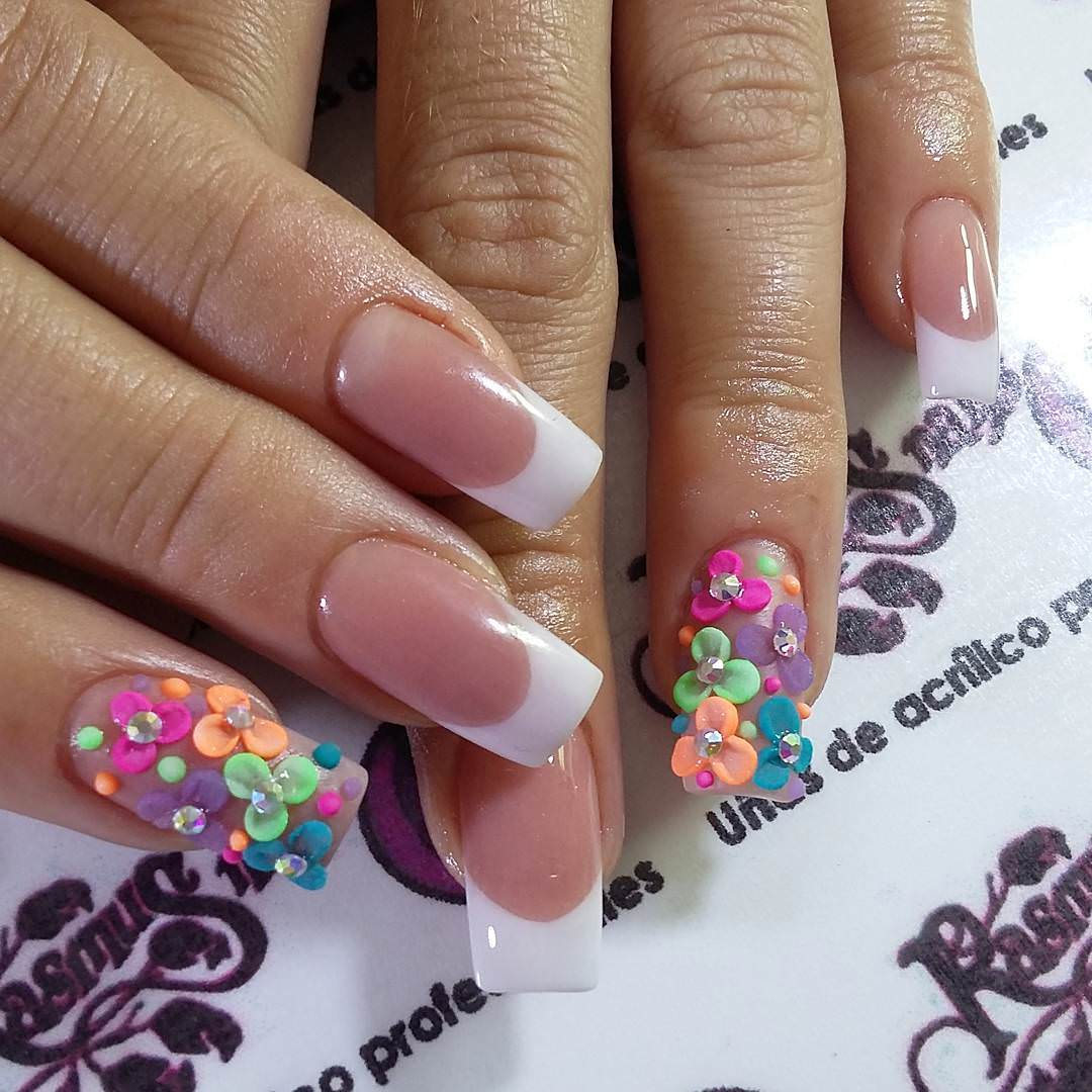 Beautiful Flowers Nail Design
