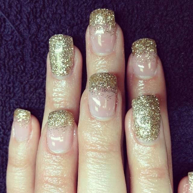 shining prom nail design