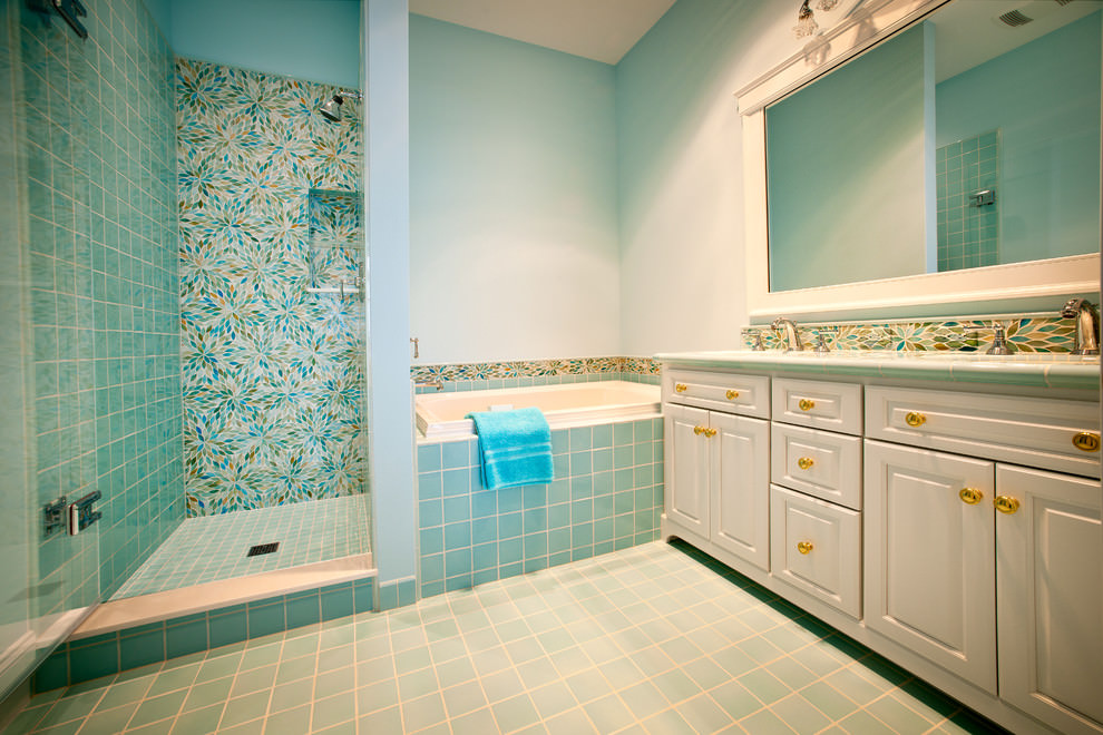 22 floral bathroom designs decorating ideas design for Aqua blue bathroom accessories
