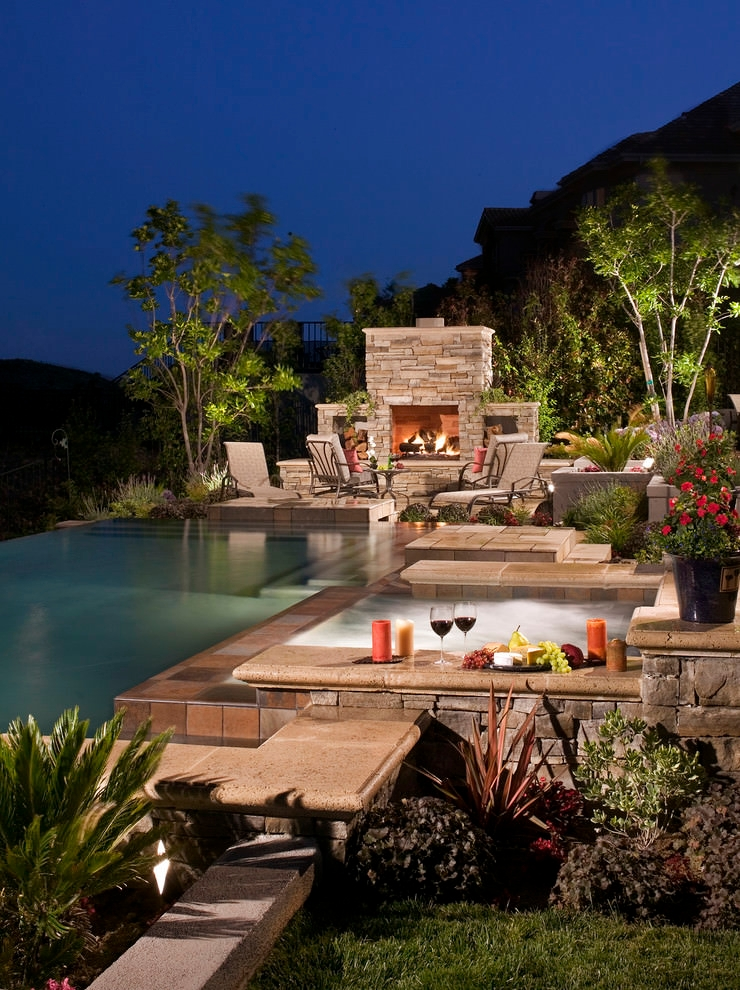 Outdoor Pool Edge Ideas