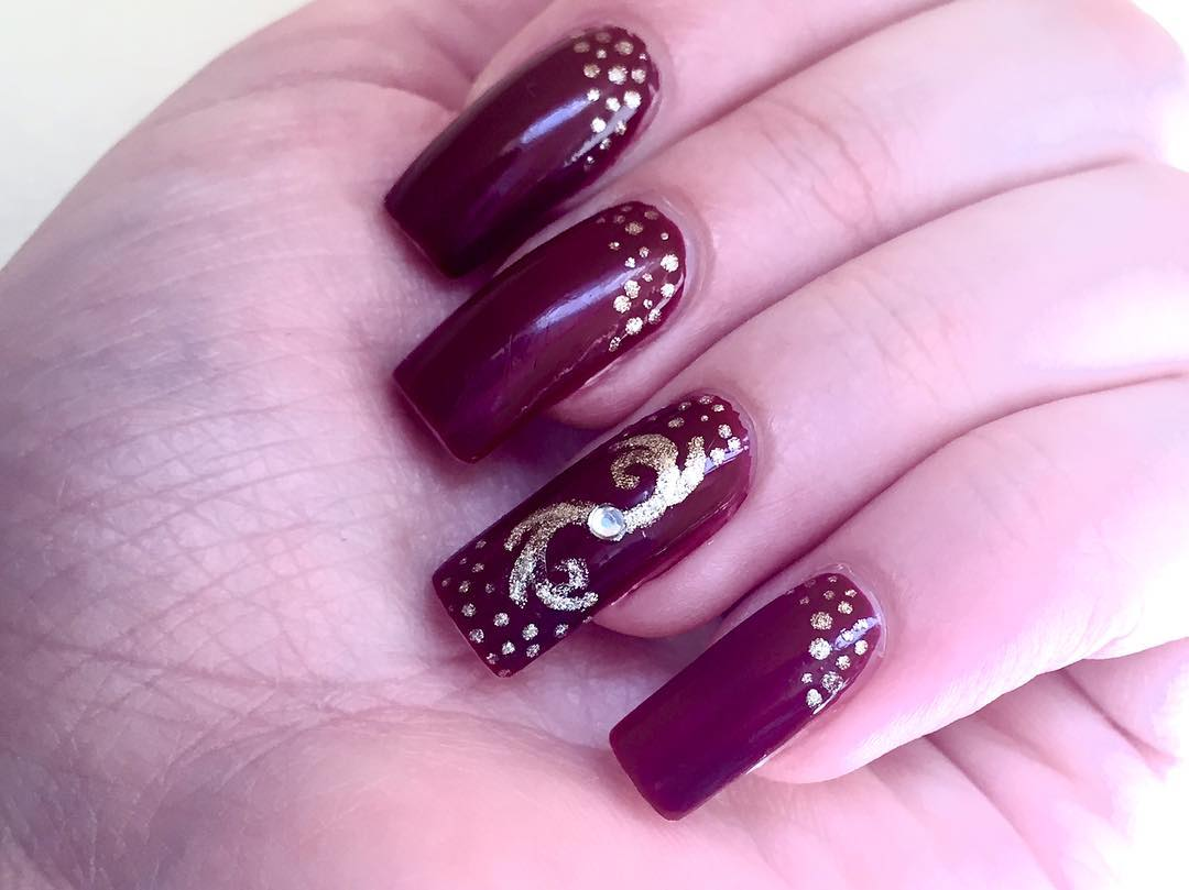 Dark Red Design Nail Art