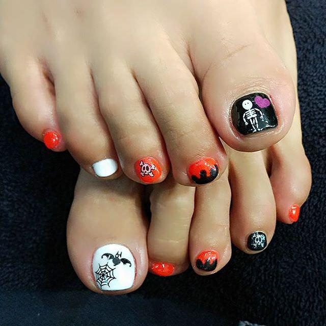 Skull Toes Nail Design
