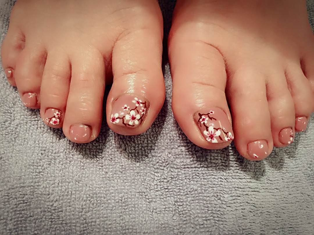 Flower Toes Pretty Nails - 26+ Toes Nail Art Designs, Ideas Design Trends - Premium PSD