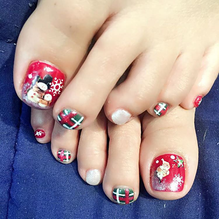 Toe Nail Designs Ideas blue and white polka dots toe nails Excellent Toes Nail Design