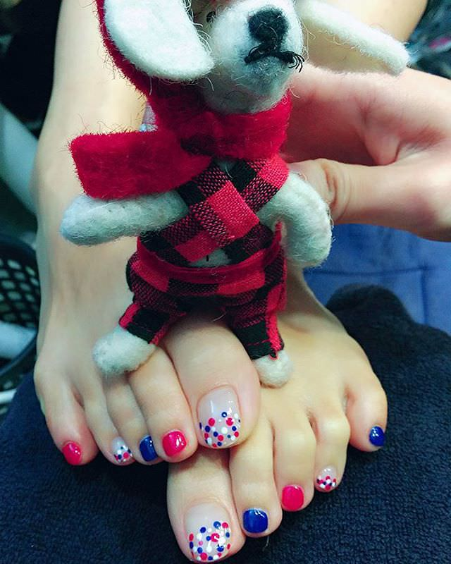 Attractive Toes Nail Design