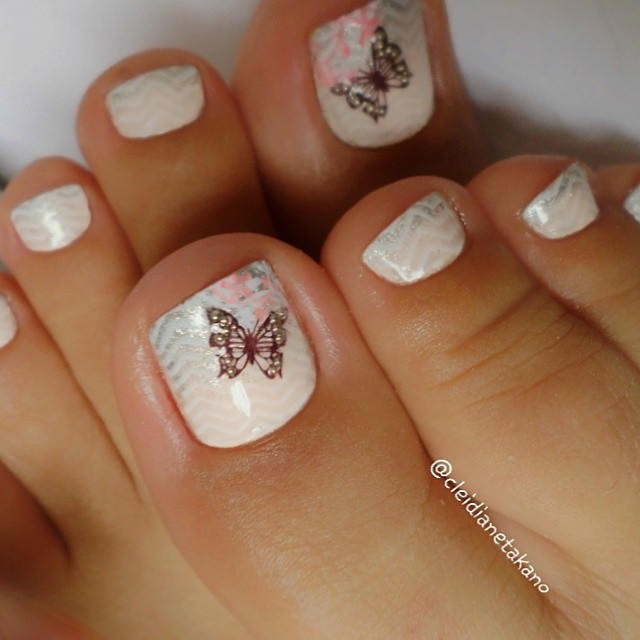 Butterfly Toe Nail Design