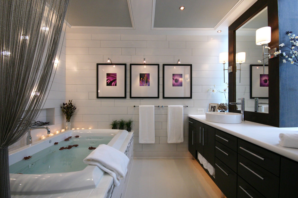 Artistic Spalike Bathroom Designs