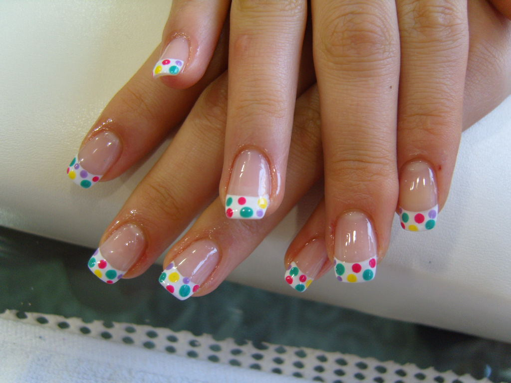 polka dot nails2