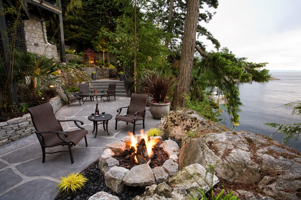 24 transitional patio designs decorating ideas design for Landscaping rocks vancouver