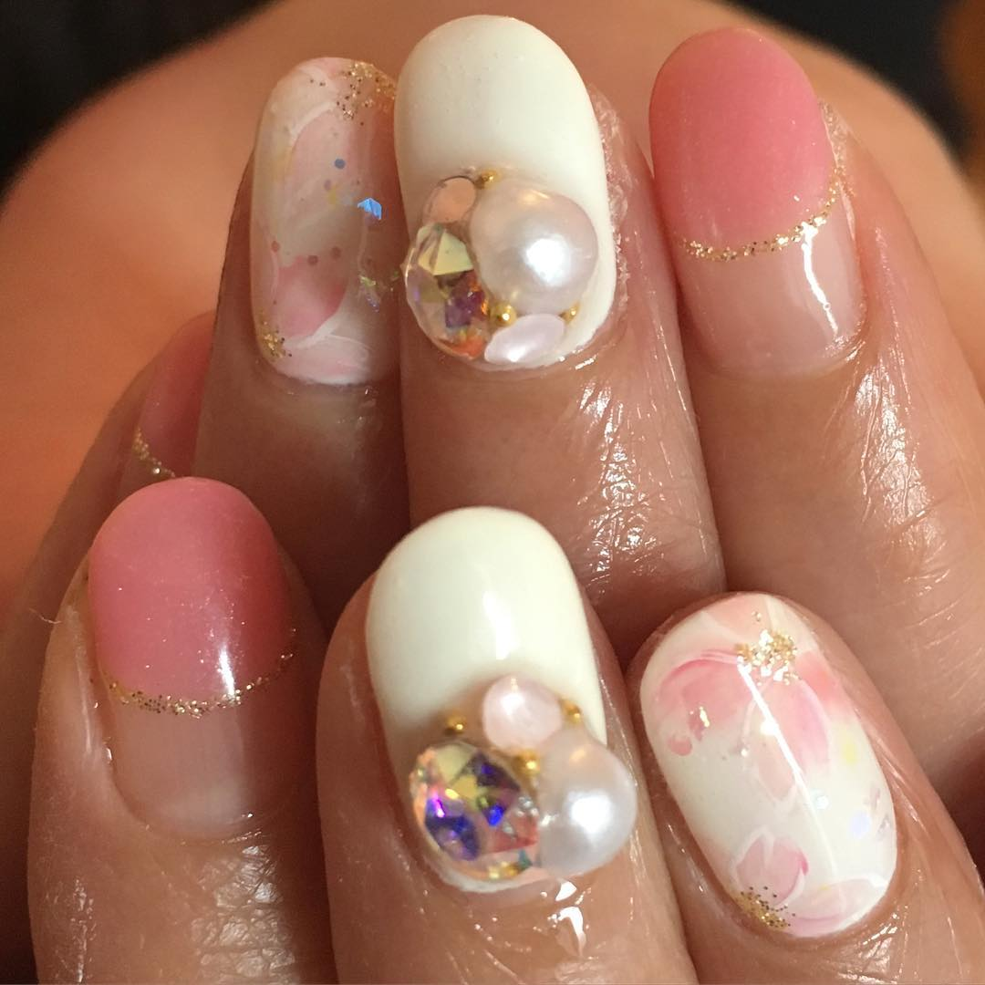 pink and white nail design2
