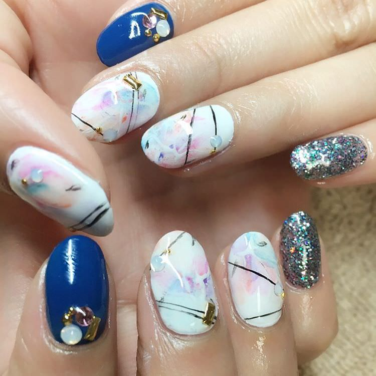 blue and white japanese nail design