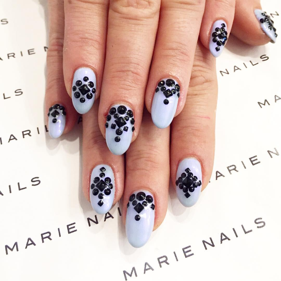black dots nail art