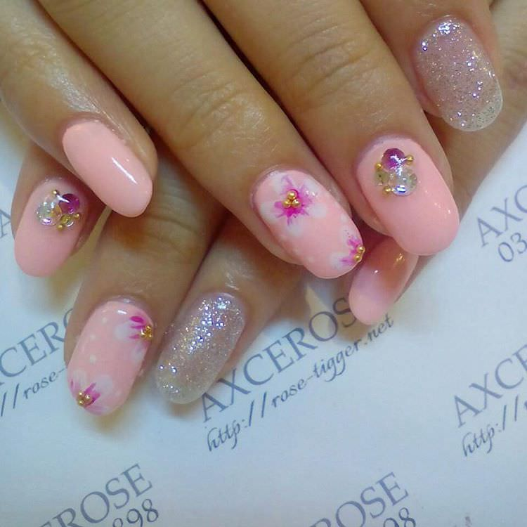 pretty pink nail art pattern
