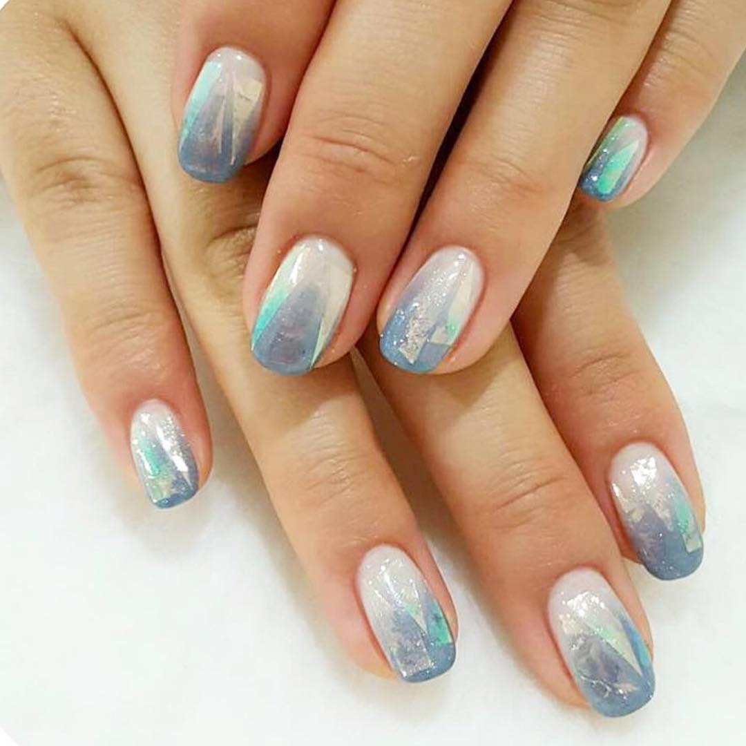really cute looking blue nail art