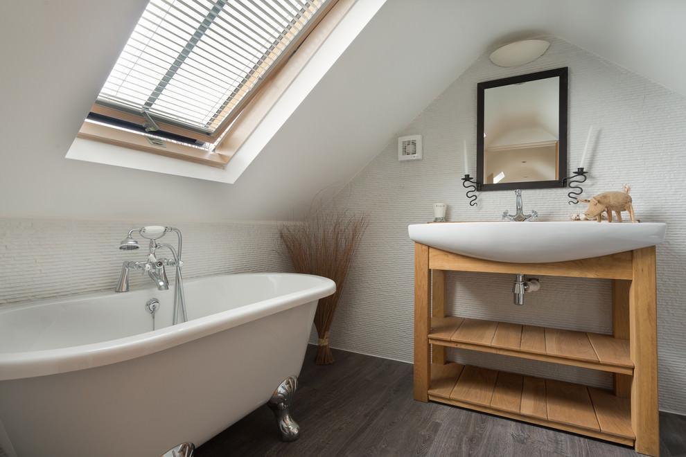 Triangle Shape Bathroom Model