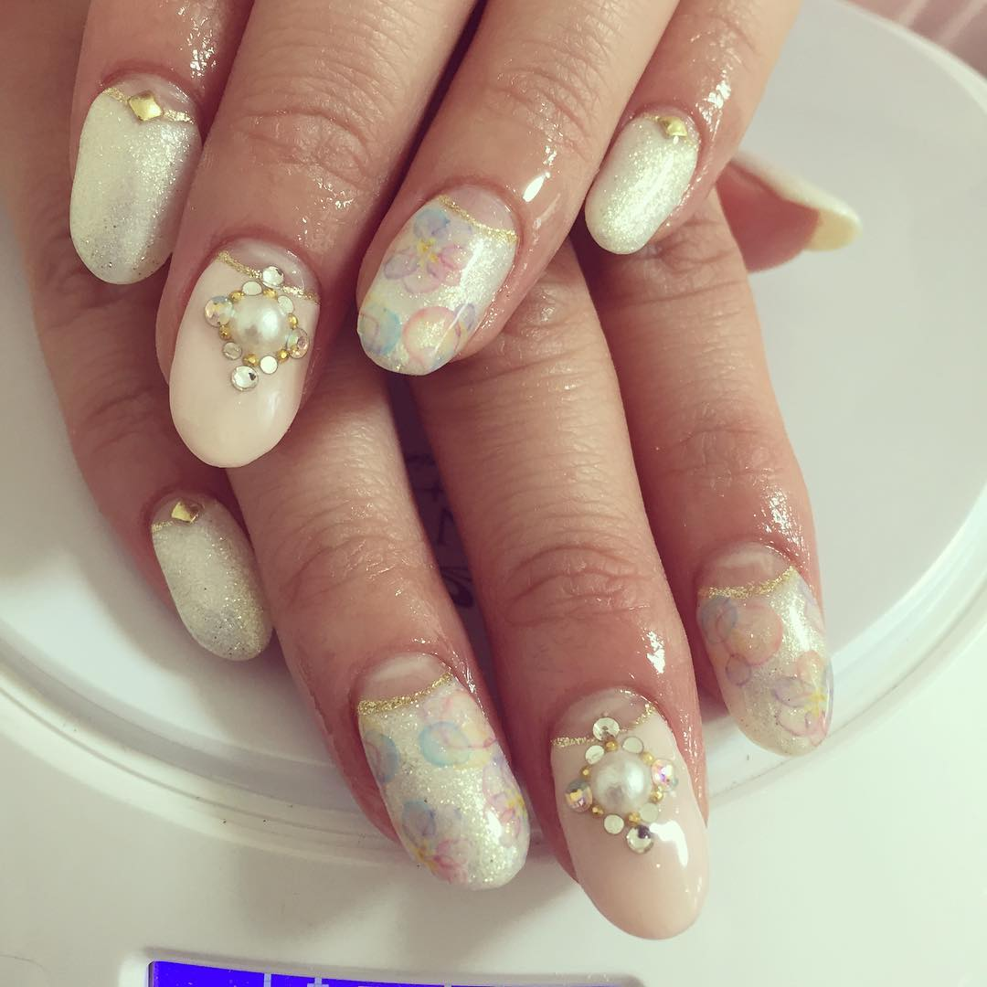 Light Colored Acrylic Nail Art