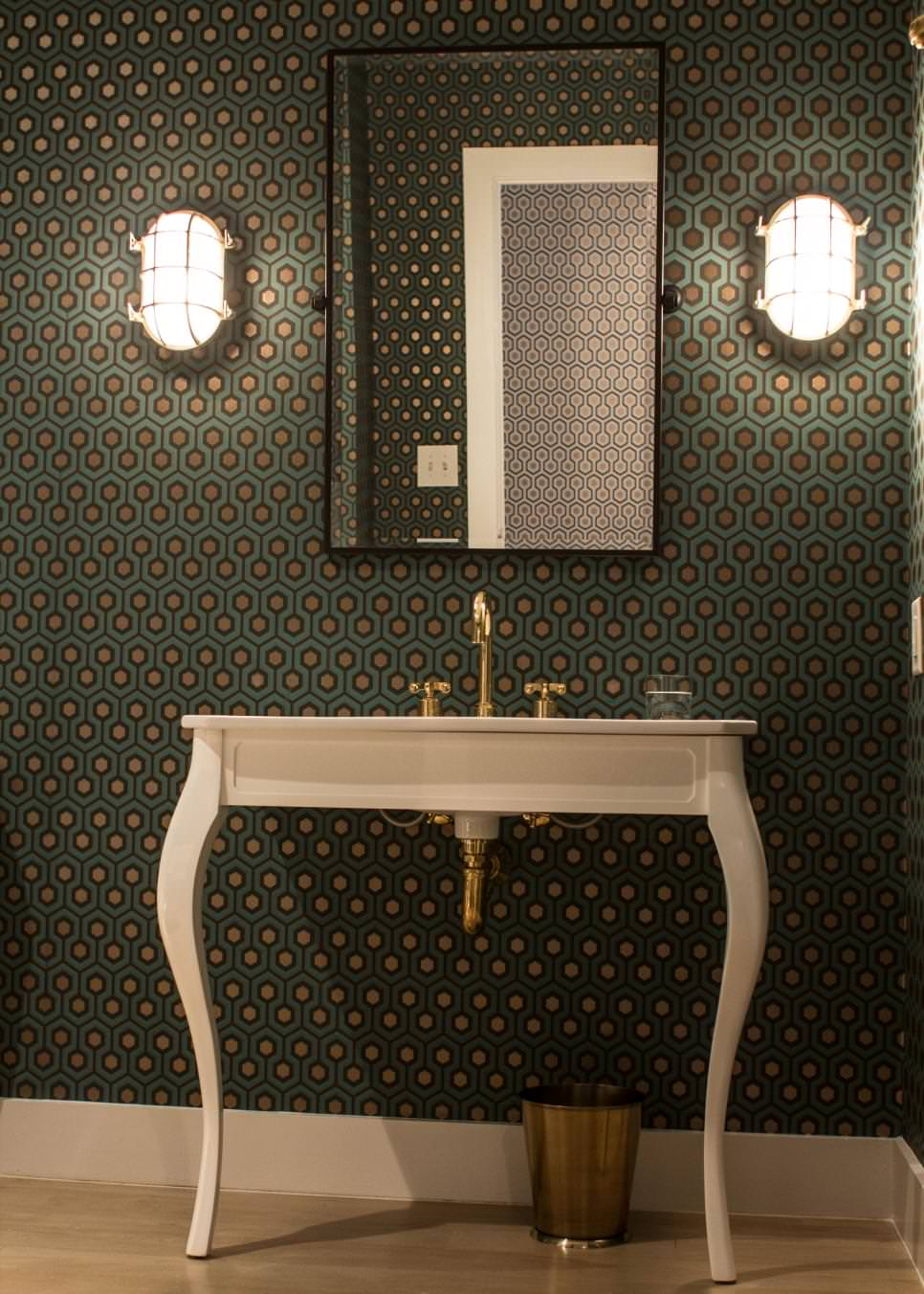 Elegant White Pedestal Sink Model