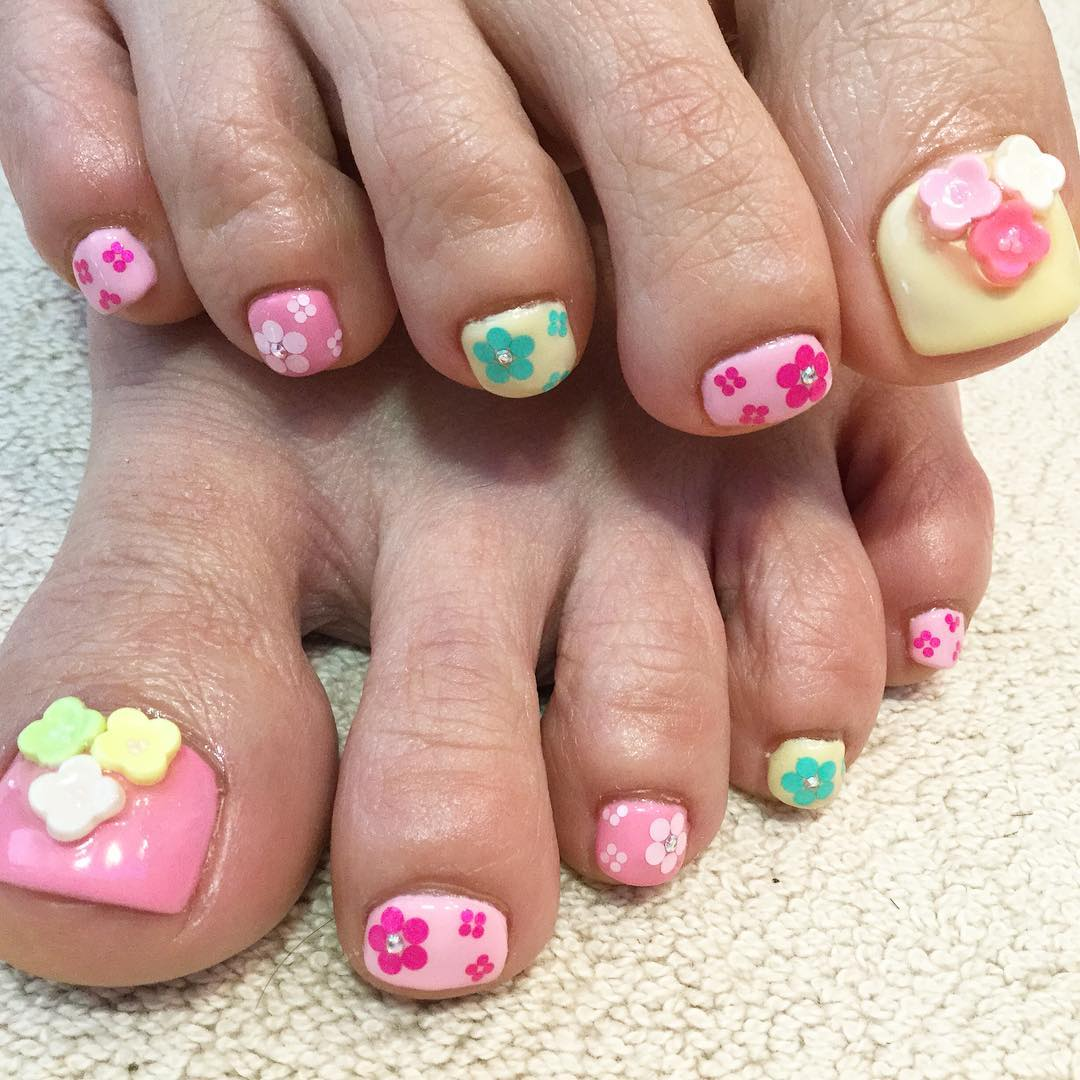 Toe Flower Cup Nail Art.